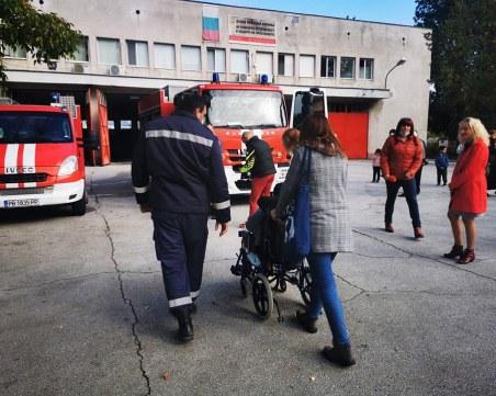 15 деца се докоснаха до тайните на пожарникарската професия в Пловдив