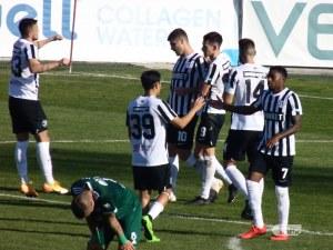 Локомотив спря негативната серия и записа първа домакинска победа за първенство