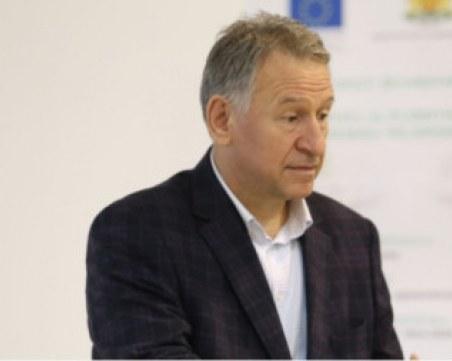 Кацаров даде назад – пускат толеранс на молове и заведения за зелен сертификат