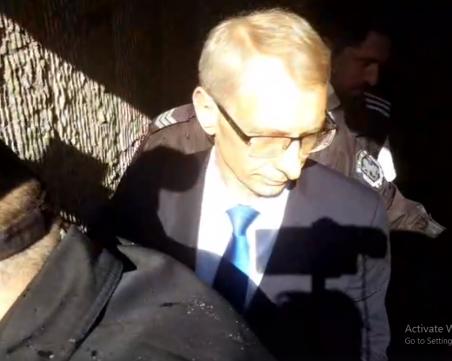 МОН след атаката към министър Денков: Той е в отлична физическа и психическа форма