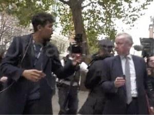 Антиваксъри нападнаха британски министър в Лондон