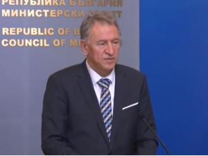 Министър Кацаров: Протестът на Алибегов и заведенията е политически