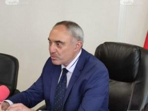 Странният случай на Ангел Стоев: Как остава на поста си като областен управител на Пловдив?