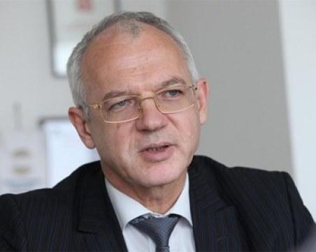Васил Велев: Няма алгоритъм, по който да се действа с работници, които отказват да се ваксинират
