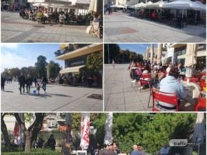 Пловдивчани препълниха заведенията по Главната