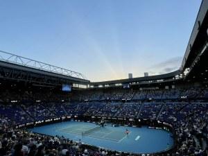 Неваксинирани тенисисти може да играят на Australian Open, но при 14-дневна карантина