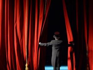 Калин Сърменов: Масово се връщат билети за театрални представления
