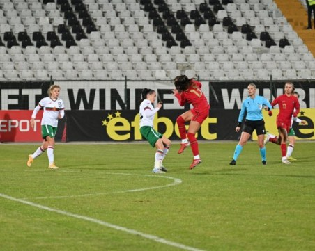 Национален отбор по футбол домакинства в Пловдив за първи път от 10 години
