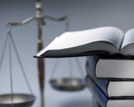 Съд наказа крадци с четене на Марк Твен и Джек Лондон